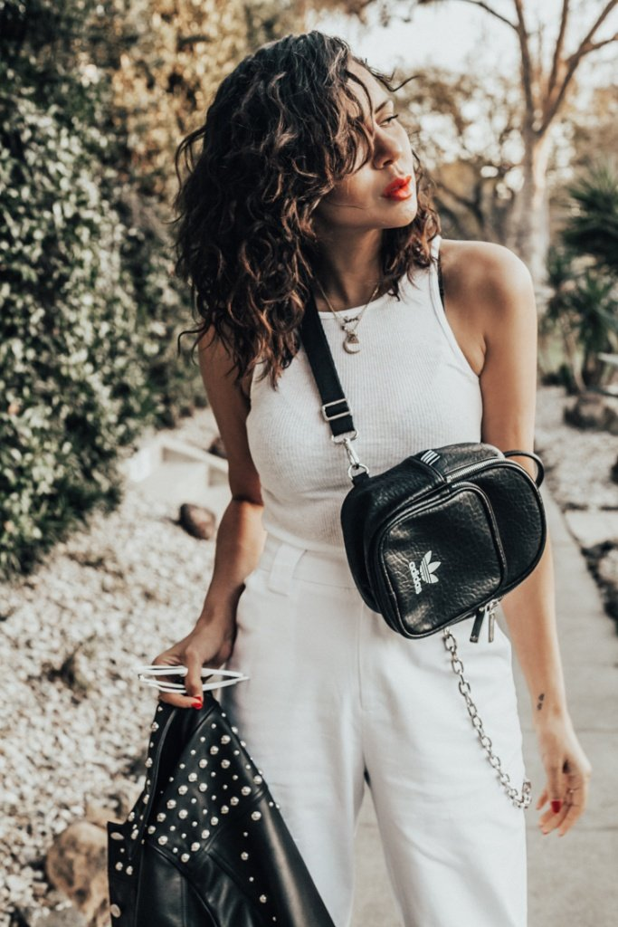 spring cleaning, Black and white for spring, girls with curls, WOC bloggers, Bloggers of color, Taye hansberry fashion blogger, Best fashion boggers, best LA fashion bloggers, Black bloggers, french bloggers, Creole Bloggers