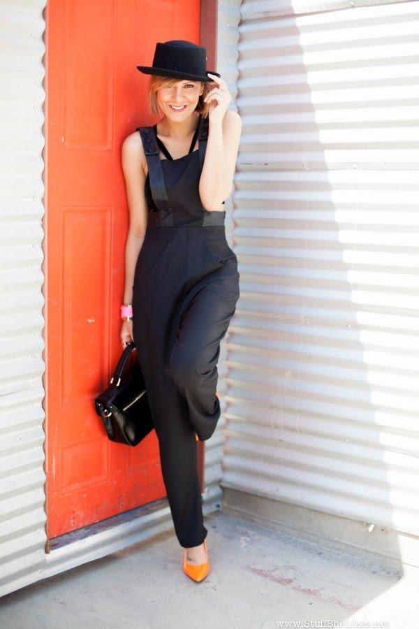 taye Hansberry, Stuff She Likes, Top fashion Blogger, Best fashion blog, Pose, instagram,
