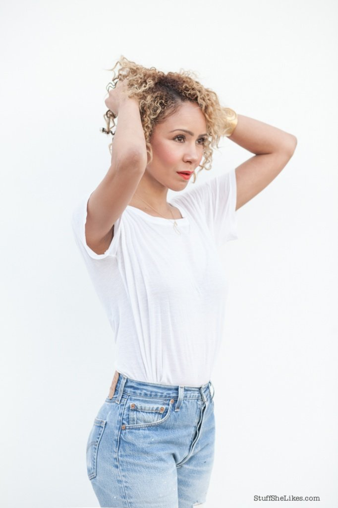 Dove love your curls, Best products for curly hair, short curly hair, curls, Beauty blogger, best beauty bloggers, Blonde blogger, black blogger, Creole blogger, vintage levis, White tee shirt, Stuff She Likes blog, taye hansberry blog