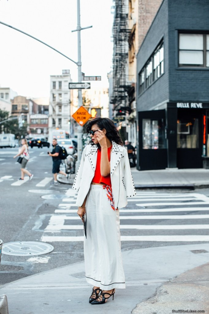fashioin blogger, best fashion blogger, top fashion blogger, New York Fashion Week, Pajama pants, how to wear Pajama pants, black lace up heels