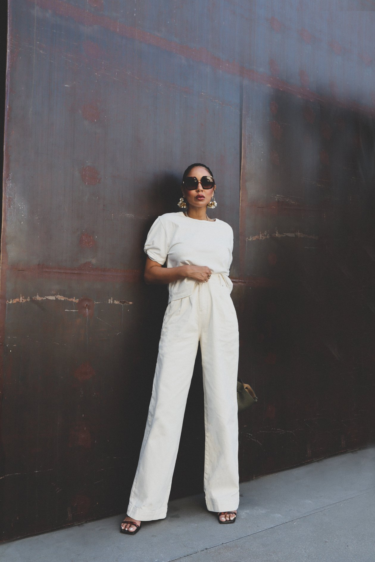 How to wear oversized pants for fall, Zara pants, Rebecca Minkoff top, Valentino sunglasses from Sunglass Hut
